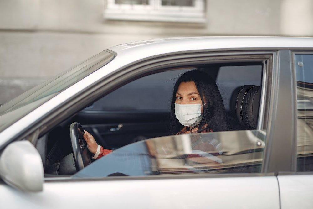 What you need to know about wearing a mask while driving